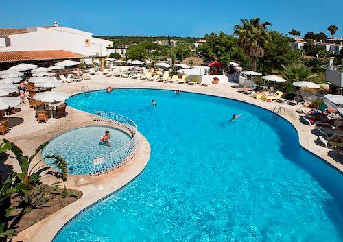 Four Seasons Fairway 2 Bed Hillside Apartment, Saturday Arrival - Image 1 - Algarve - rentals