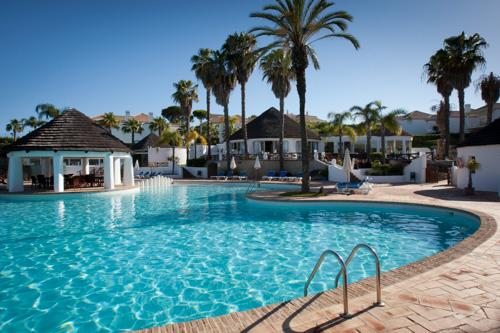 Encosta do Lago 2 Bedroom Apt, Private Pool - Image 1 - Algarve - rentals