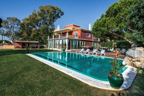 Villa d'Oura - Image 1 - Branqueira - rentals