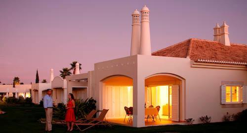 Vale d'Oliveiras 2 Bed Suite Garden View , Bed & Breakfast - Image 1 - Ferragudo - rentals