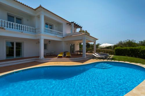 Quinta do Amizade, 5 Bedrooms - Image 1 - Patroves - rentals