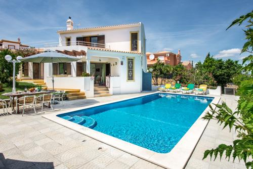 Villa Barros, 7-8 persons rate - Image 1 - Sesmarias - rentals