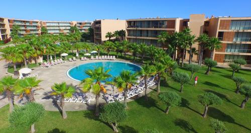 Vilas das Lagoas, Three Bedroom Apartment, SC Basis - Image 1 - Sesmarias - rentals