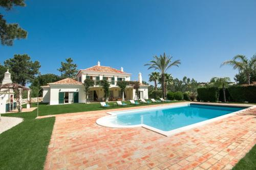 Villa Chamine, Four Bedroom Rate - Image 1 - Algarve - rentals