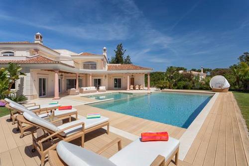 Villa Chloe, Five Bedroom Rate - Image 1 - Algarve - rentals