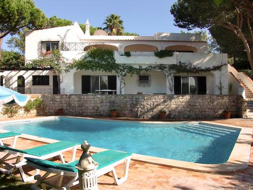 Villa Fabiana, 4 Bedroom Rental - Image 1 - Algarve - rentals