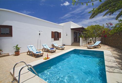 Villa Martina - 1 - Image 1 - Costa Teguise - rentals