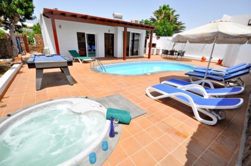 Villa Camila - Image 1 - Puerto Del Carmen - rentals