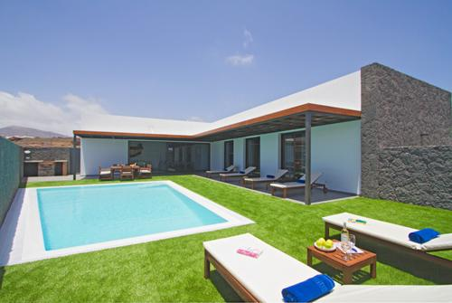 Villa Alicia - Image 1 - Puerto Del Carmen - rentals