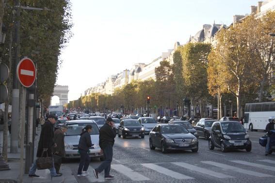 Nice 3 BR-2 BA Condo Rue de Chartres - apt #118 - Image 1 - Neuilly-sur-Seine - rentals