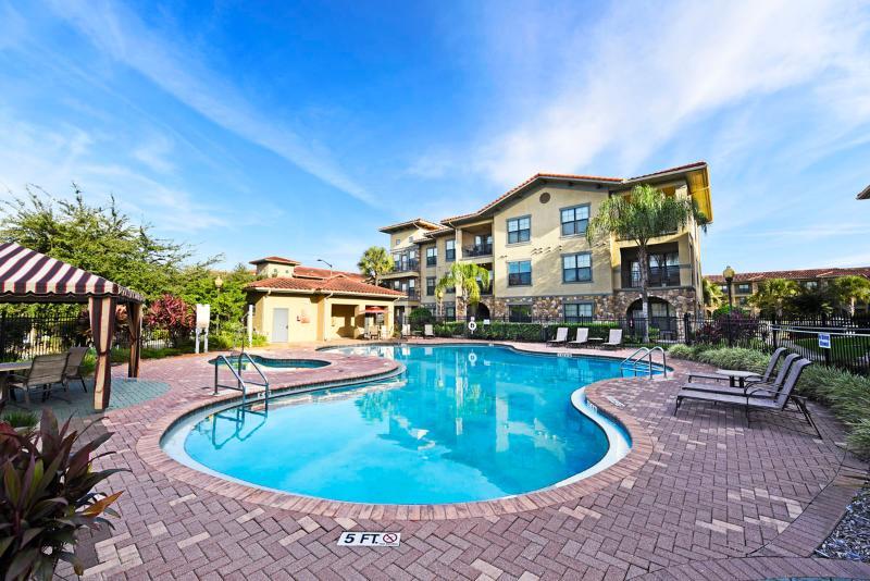 Bella Piazza 3Bed Condo,15Mins to Disney-Fr$105nt - Image 1 - Orlando - rentals