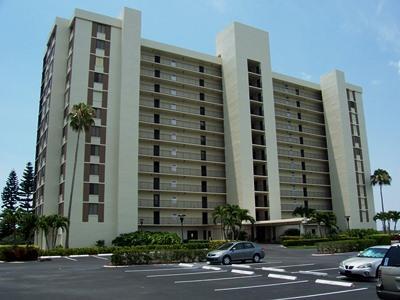 Front View - Surf Colony III in Vanderbilt - Naples - rentals