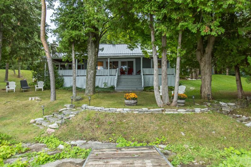 50 foot west facing wrap around porch overlooking Lake - Modern Century on Lake Couchiching - Rama - rentals