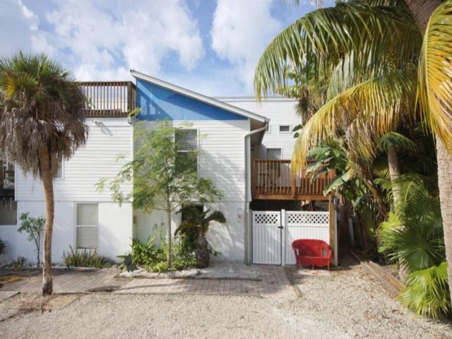 219 Delmar 219 - Image 1 - Fort Myers Beach - rentals