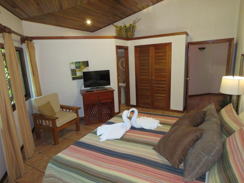 "Master Bedroom with King bed, 32"" TV, A/C, Safe and ensuite - Home away from Home in the Jungle 3 Bed / 2 Bath - Manuel Antonio National Park - rentals"