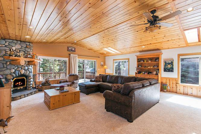 Cottonwood Place Vacation Home - Hot Tub - Image 1 - Carnelian Bay - rentals