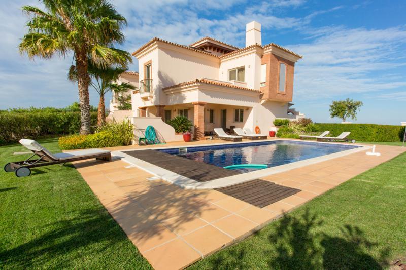 Villa Estela - Image 1 - Vila Nova de Cacela - rentals