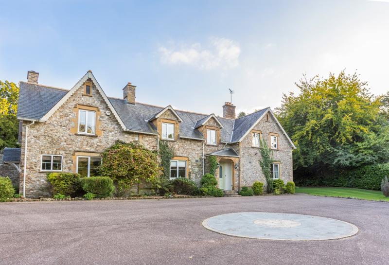 Blackdown Manor - Image 1 - Culmhead - rentals
