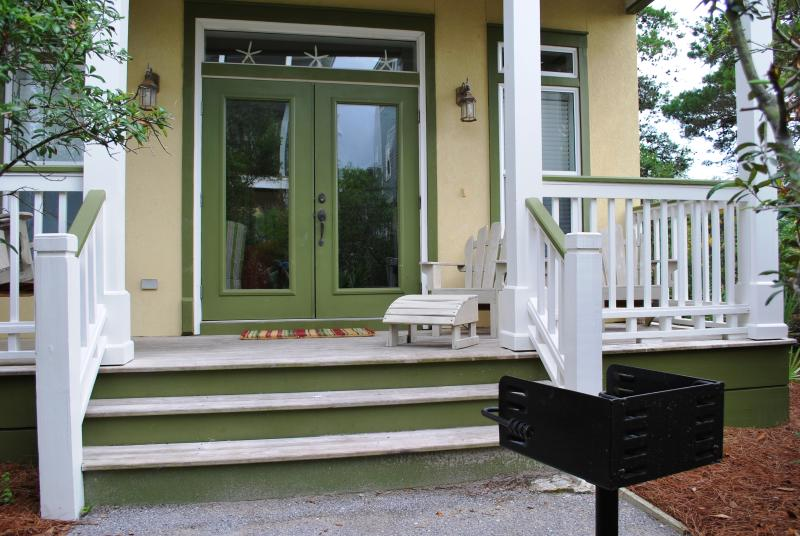 Front yard and porch with the new grill - Just 4 Fun - Great Seacrest House for 2 families - Seacrest Beach - rentals