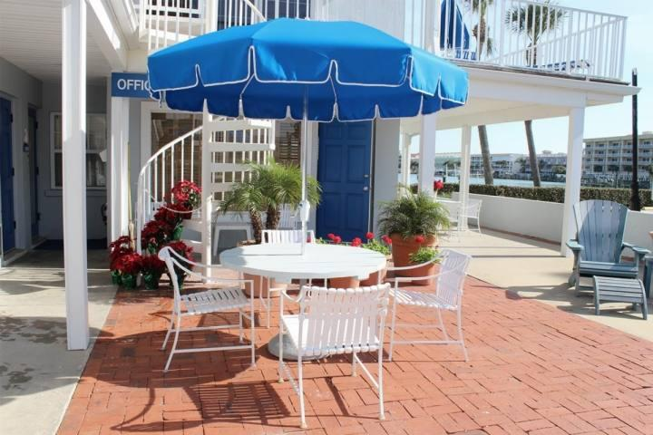 Communal Front Patio Overlooking the Beautiful Clearwater Intercoastal - Unit #4 at The Beachouse - Clearwater - rentals