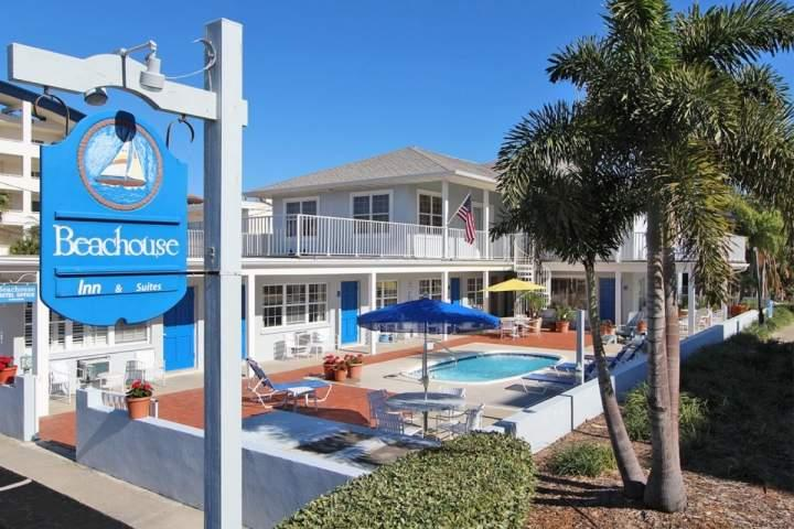 Unit #1 at The Beachouse - Image 1 - Clearwater - rentals