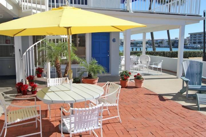 Community Front Patio Area Overlooking The Gorgeous Intercoastal of Clearwater - Unit #3 at The Beachouse - Clearwater - rentals