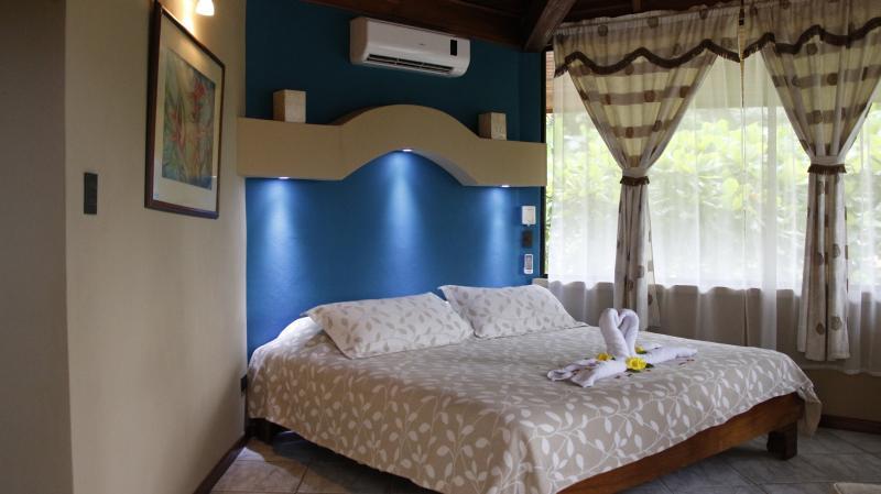 One Bedroom Suite - Image 1 - Quepos - rentals
