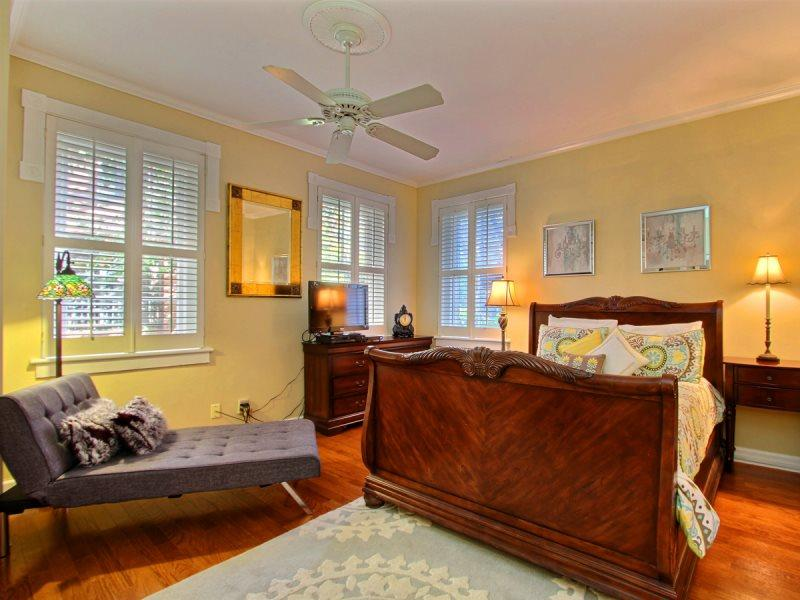 Amazing property with moss drenched oak tree views in the heart of Historic Savannah! - Image 1 - Savannah - rentals