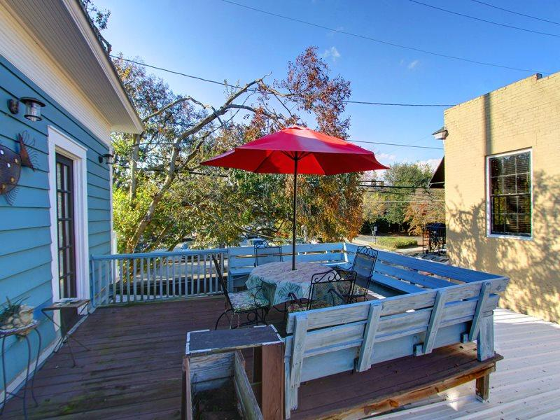Fun in the outdoors! Great location by Forsyth Park! Outside roof top deck! - Image 1 - Savannah - rentals