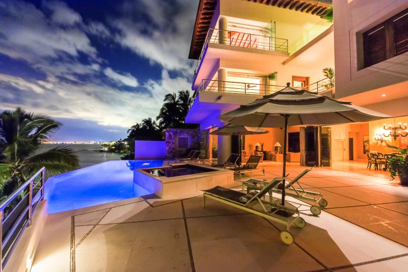Ideal for Groups, Heated Saltwater Pool & Jacuzzi, Cook Service 3 Meals / Day - Image 1 - Puerto Vallarta - rentals