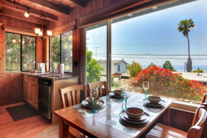 Ocean view from the kitchen and dining area - Cabin by the Sea in Cardiff - Encinitas - rentals