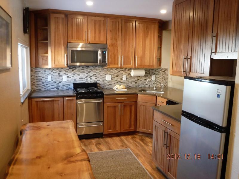 Newly remodeled kitchen! - Newly remodeled kitchen! Near Canyon Lodge. - Mammoth Lakes - rentals