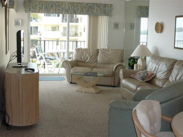Living Room - THE PALMS OF ISLAMORADA - Islamorada - rentals