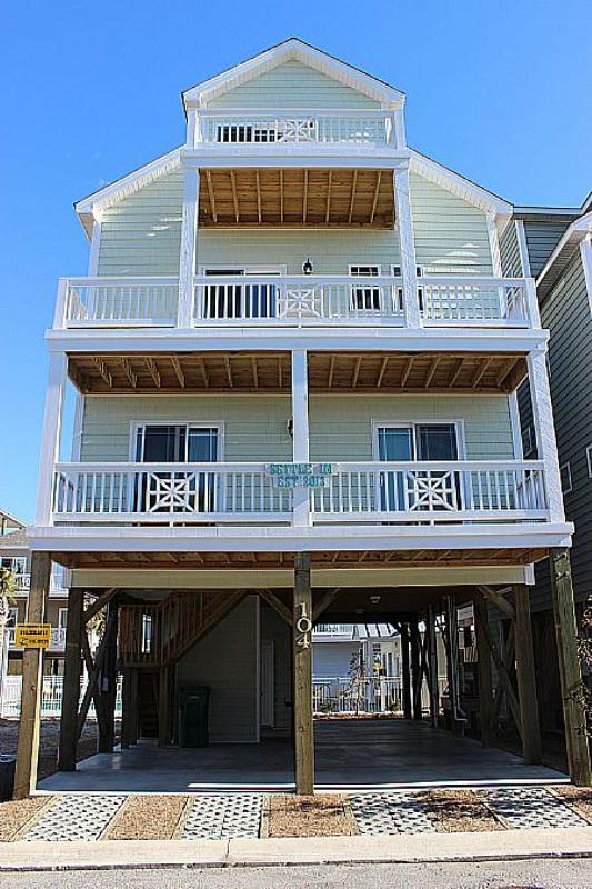 Settle In - SAVE UP TO $125!! Community Pool & Peir w/ Modern decor - Image 1 - Surf City - rentals