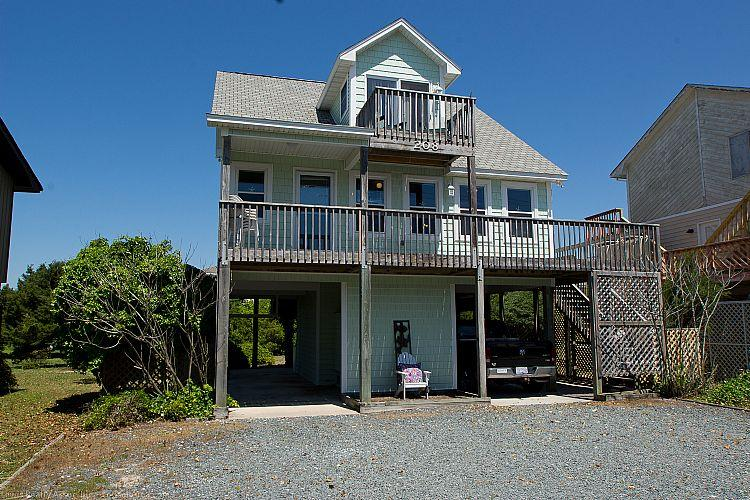 Exterior  - Seaside Serenity - SUMMER SAVINGS UP TO $170! Wonderful View, Colorful Interior, Beachy Accents, Near Shops - Topsail Beach - rentals