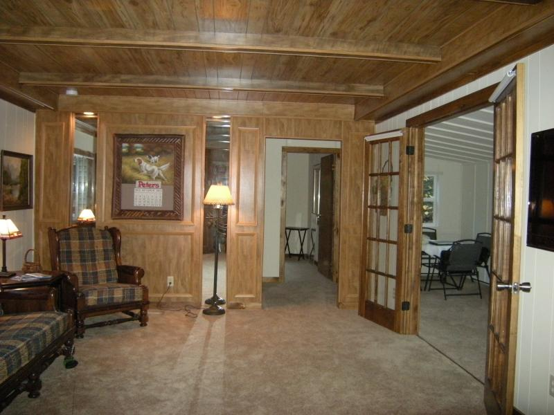 spacious living area - ALPINE HAVEN BY WHITEFACE-4 SEASONS - Wilmington - rentals
