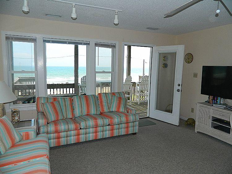 Great Room - Carolina Joy North - Spectacular Oceanfront View, Beach Access, Near Shopping - Surf City - rentals