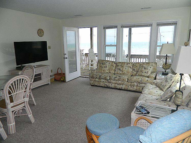 Great Room - Carolina Joy South - Spectacular Oceanfront View, Beach Access, Near Shopping - Surf City - rentals