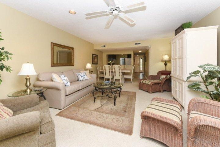 Open Floor Plan Dining and Family Rooms - Excellent Family Vacation Villa in Shipyard - 5 Minute Walk to Beach  - No Hurricane Damage! - Hilton Head - rentals