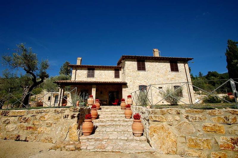 Villa with private pool at walking near village - Image 1 - Montecchio - rentals