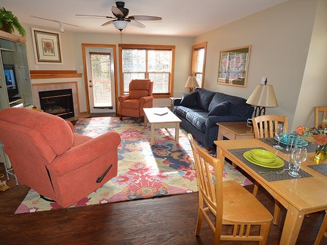 Camp 4 # 21: Fabulous 2 Bedroom, Slopeside, end unit Townhouse. - Camp 4 - Unit 21 - Snowshoe - rentals