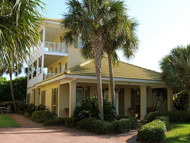 4br/3ba sleeps 16 - Gulf views, 2 pools, Tennis, and Private Beach Pavilion - Palmetto Palms on 1st Beach Street - Walk to Beach - Destin - rentals