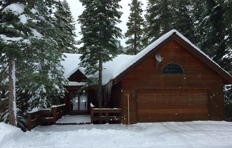 Front of house in winter - Tahoe Paradise - Tahoe Vista - rentals