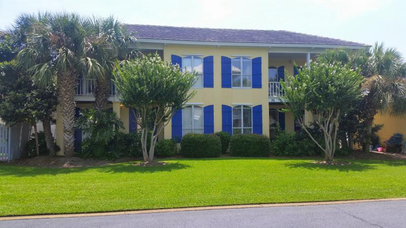 3 King BR + Bonus Room/3BA - Sleeps 14. Book now at GULF911 - 'Bimini Breeze' on 1st Beach Street! - Destin - rentals
