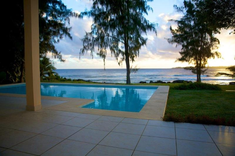 Terrace Pool and Ocean - Whitesands Beachfront Pavilion - Efate - rentals
