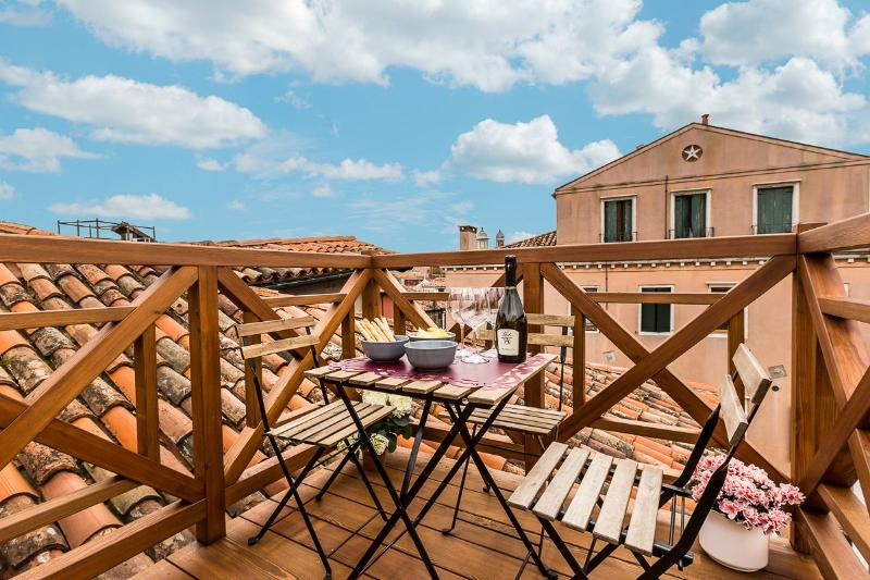 breathtaking view from the roof-top terrace of the Guardi apartment - Guardi - Venice - rentals