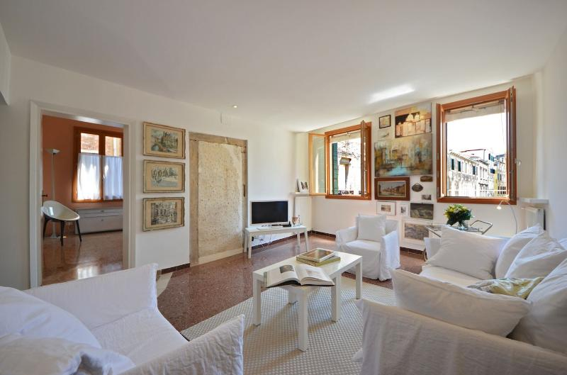 bright and airy living room - San Bortolo - Venice - rentals