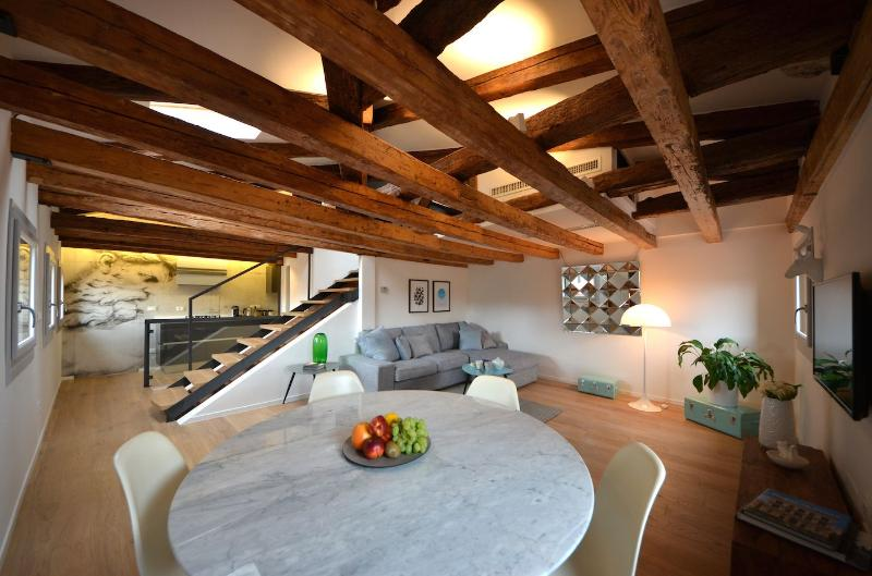 antique features and modern furniture blend in the Sagredo apartment - Sagredo - Venice - rentals