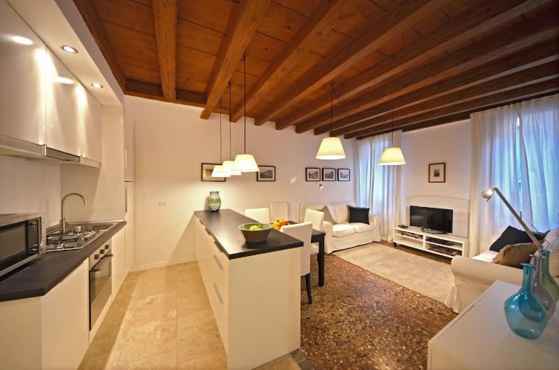 living room of the sarpi 2 apartment, san polo, venice, italy - Sarpi 2 - Venice - rentals