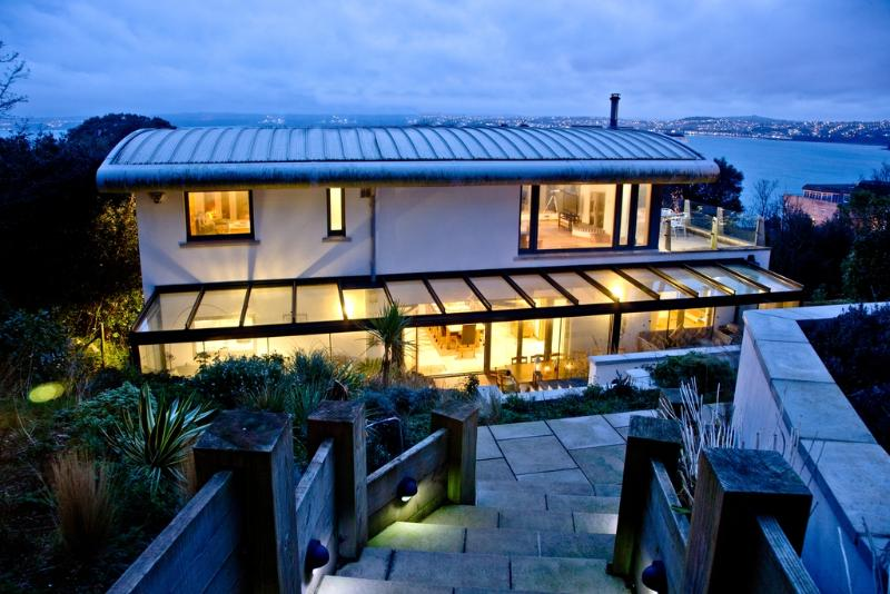 Park Hill House located in Torquay, Devon - Image 1 - Torquay - rentals